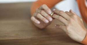 خیانت زناشویی، چگونه شکل میگیرد؟